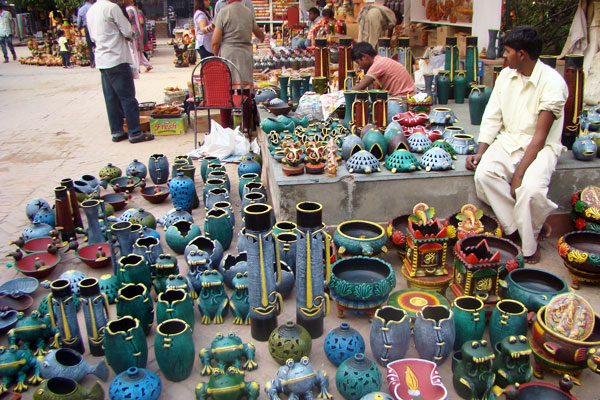 Delhi haat, handicrats market for pottery